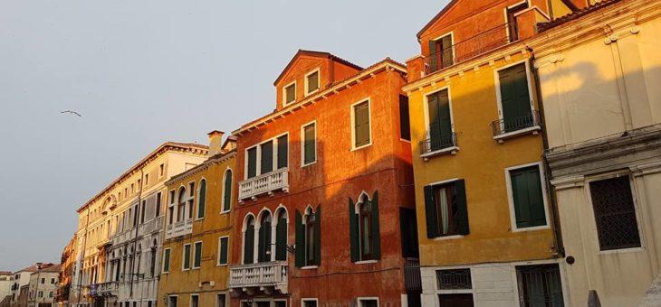 Tjejresa till magiska Venedig på 48 lågintensiva timmar!